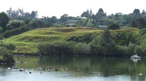 Kororipo pā, home of the Maori Ngāpuhi chief, Hongi Kika who allowed British settlement on the lower land under his control.