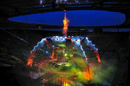 U2 360 Degrees mobile stage set, Mark Fisher with Chuck Hoberman.
