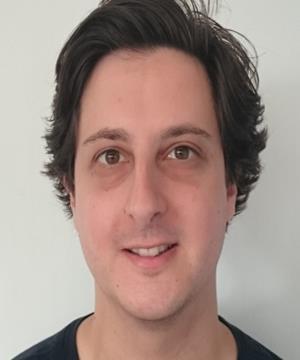 Photo of Dr Elliot Bennett