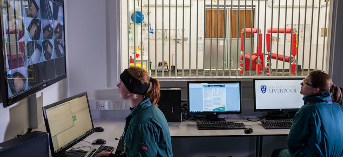 Students in the office within the Equine Hospital ICU