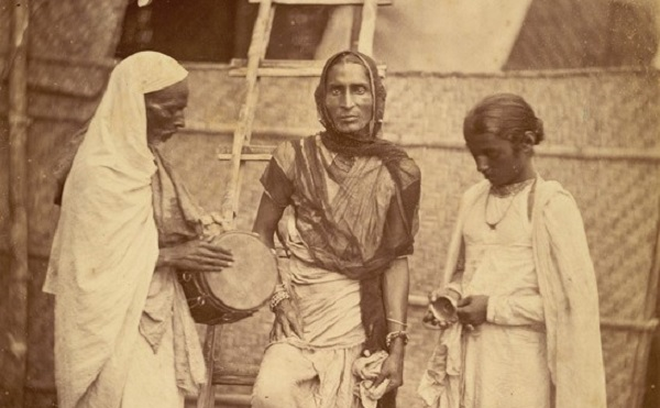 British Library photograph of three people from the Hirja community