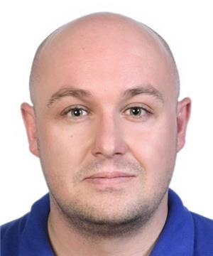 Photo of Dr Simon Fairfax