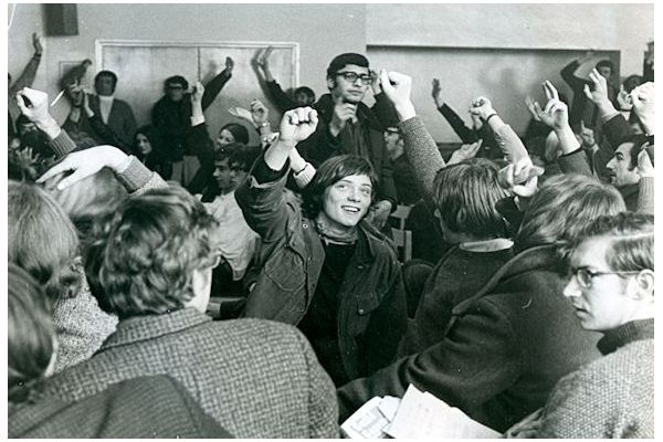 Pete Cresswell in the protest at Senate House, 1970.