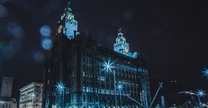 Liver Buildings at night